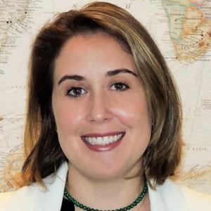 Larissa Paganelli, Advogada de direito dos transportes/aviação – Montgomery & Associados