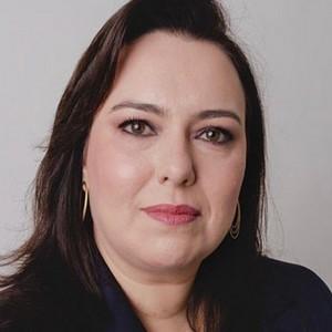 Lívia Herdy, Sócia – Fenelon Advogados